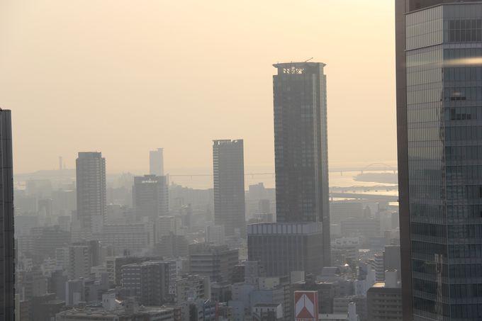 たそがれてゆく大阪の街並み
