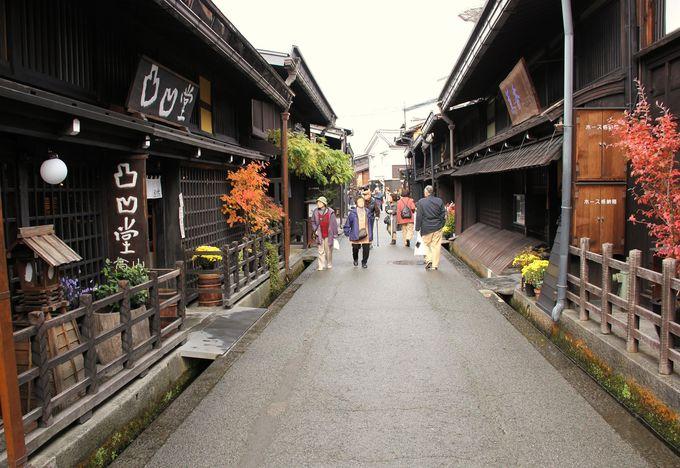 飛騨牛の寿司屋など、食べ歩きが楽しめる古い街並み 高山ラーメンもおススメ