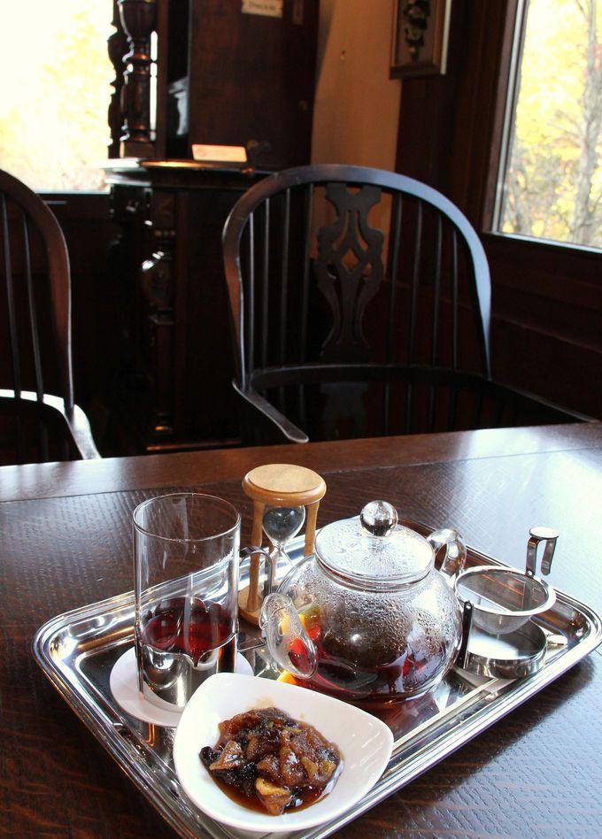 館内のカフェ『シュトラウス・カフェ』で安らぎのフレーバーティーを