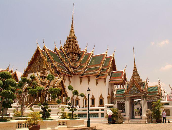 【5位】見どころは幾重にも波打つ屋根の美しさ!「ドゥシット宮殿」