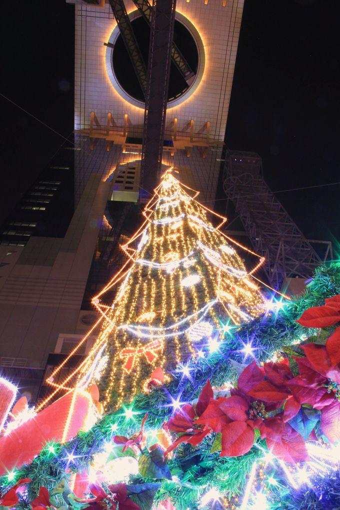 ��未来の凱旋門�≠ナ楽しむ世界最大級のクリスマスツリー