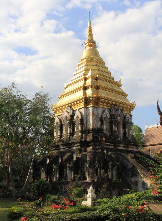 第3位 ゾウさんが支える仏塔!チェンマイ最古の寺院【ワット・チェン・マン】