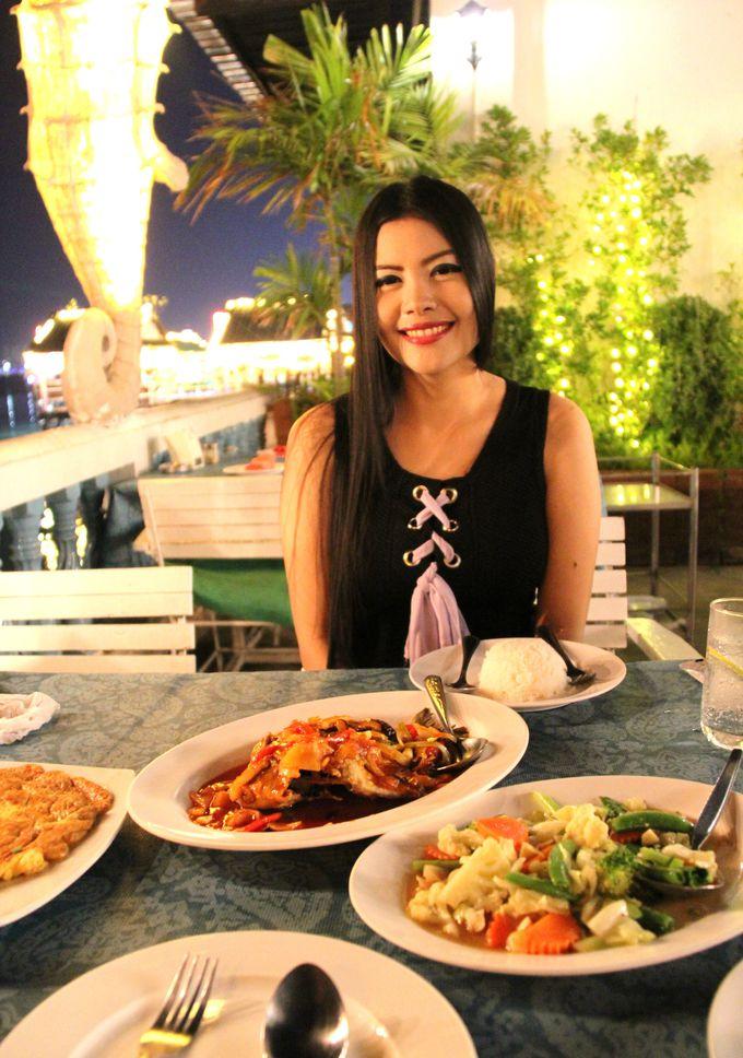 最上級の開放感!海沿いのレストランでシーフードを堪能しよう!