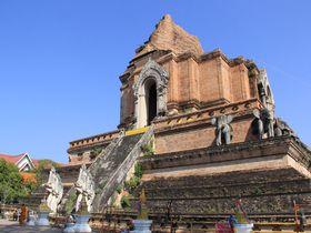 胸に迫るど迫力!今も崩れ続けるチェンマイ最大の仏塔「ワット・チェディルアン」