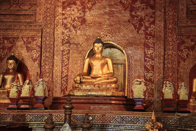 スリランカ生まれ?名前の由来となった黄金のプラ・シン像