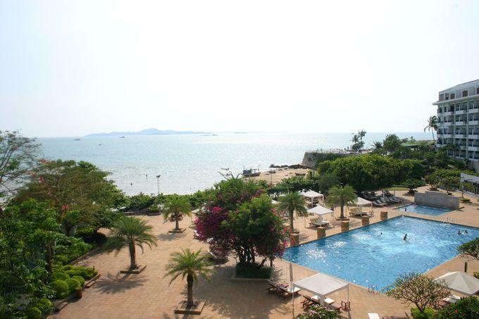 パタヤ湾に浮かぶ楽園!きらきら青く澄んだ海に浮かぶ島「ラーン島」