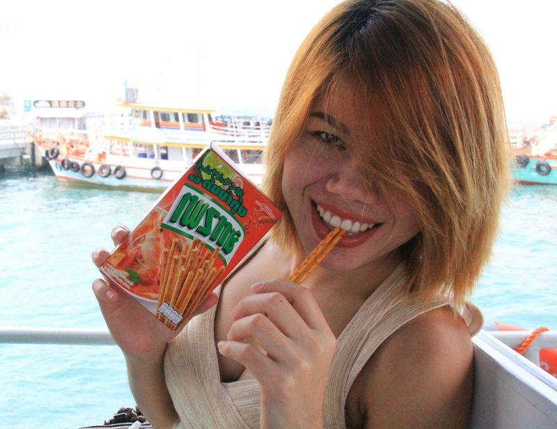 タイのバラマキ土産No1!コンビニで買えるプリッツBEST5