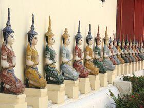 小人のような可愛い仏像!チェンマイのメルヘン寺「ムーングコーン」