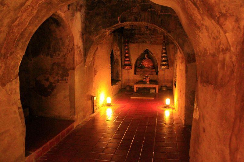 森に佇む神秘の洞窟!チェンマイ瞑想の寺「ワット・ウモーン」