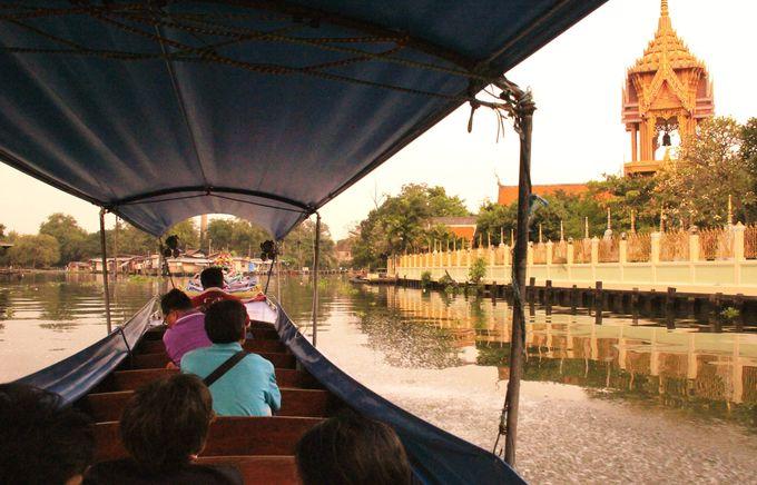ここが大都会バンコク!?正面には水に浮かぶ住宅街も