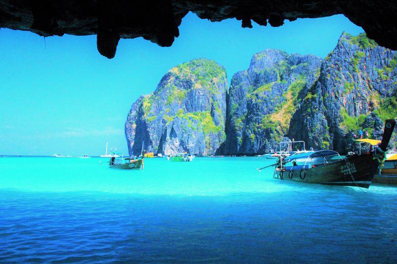 映画『ザ・ビーチ』で見た絶景の海!タイの秘島「ピピ・レイ」のマヤベイ