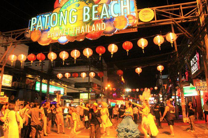プーケット最大の歓楽街「バングラ通り」