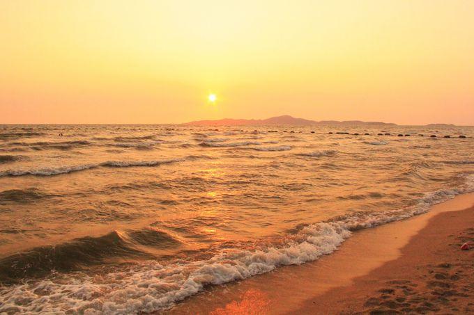 幻想的な夕暮れ。ラーン島に沈む夕日