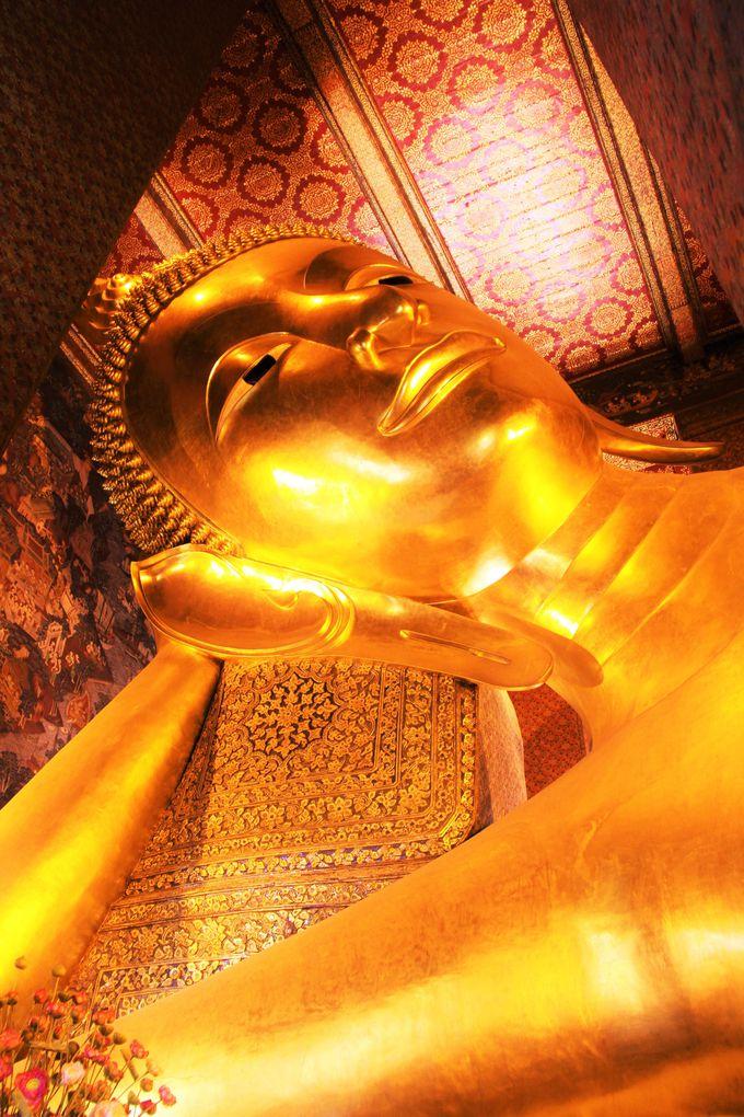 見る!きらびやかな寺院に横たわる巨大な釈迦涅槃仏「ワット・ポー」