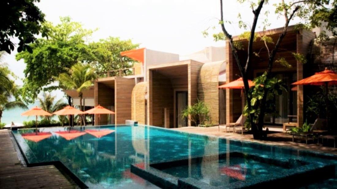 観光客でにぎわう人気のホテル「サイ ケオ ビーチ リゾート」