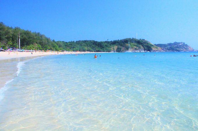 青く透き通る絶景のビーチ!