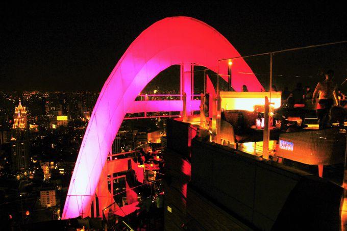 """神秘的な美しい光!バンコクの夜に咲く""""恋の花"""""""