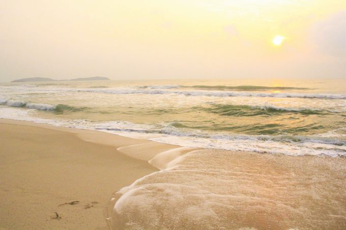 昇る朝日も美しい!広く、ゆったり過ごせる「チャウエンビーチ」