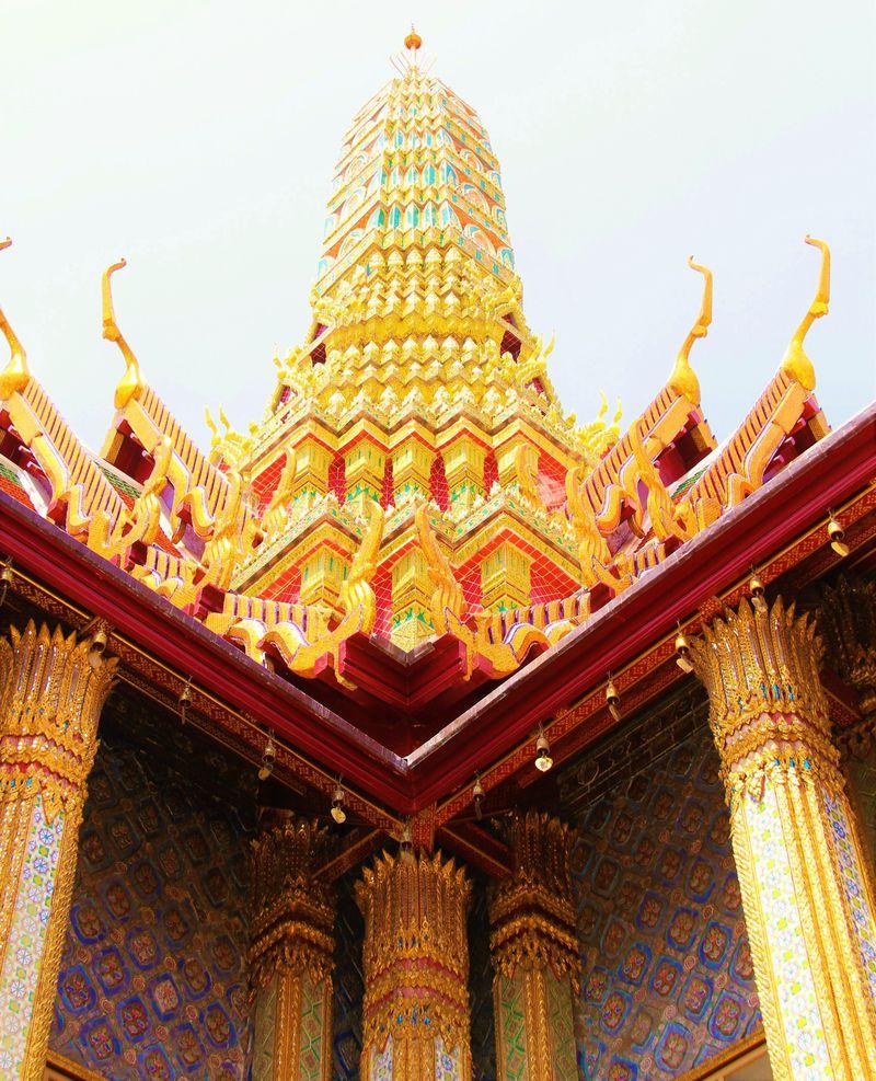 王宮観光を再開へ!プミポン国王の遺徳を偲ぶタイ王宮への旅
