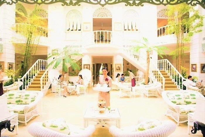優雅なアフタヌーンティーを!タイで最も絵になる観光スポット「オーサーズ ラウンジ」