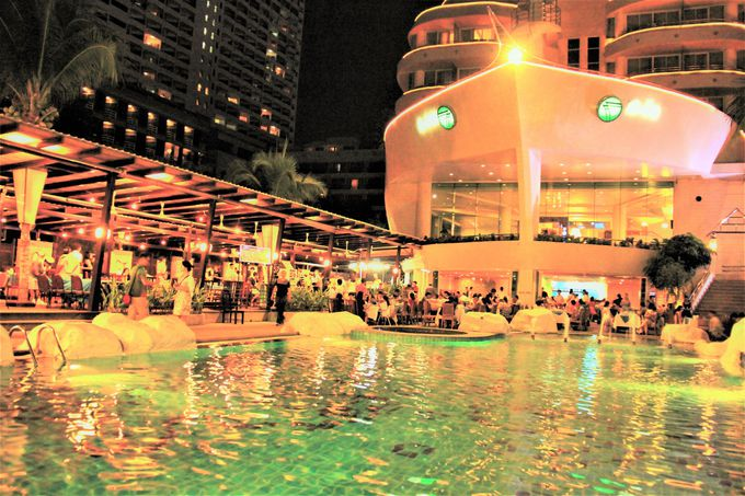 まるでタイタニック号!豪華客船をイメージした高級ホテル「エーワン ザ ロイヤル クルーズ ホテル」