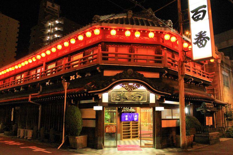 飛田遊廓、嘆きの壁!大阪・通天閣界隈のディープスポット5選