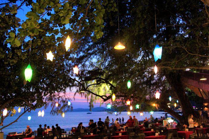 サメット島の美しい夕陽!オン・ザ・ビーチレストランでロマンチックなひととき