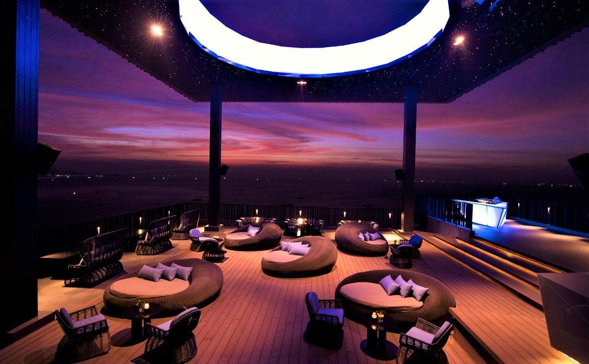 ヒルトン・パタヤの絶景ルーフトップバー「Horizon」で楽しむ特別なタイ旅行