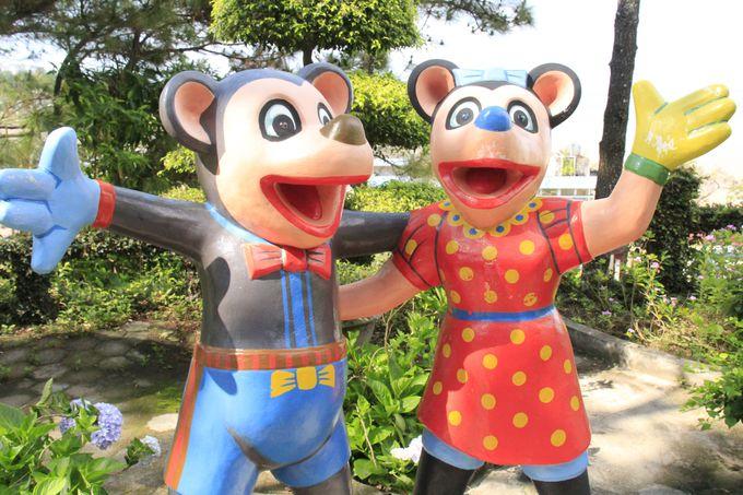 謎のキャラクターたちと記念撮影!のんびり、のどかなベトナム流の観光旅行
