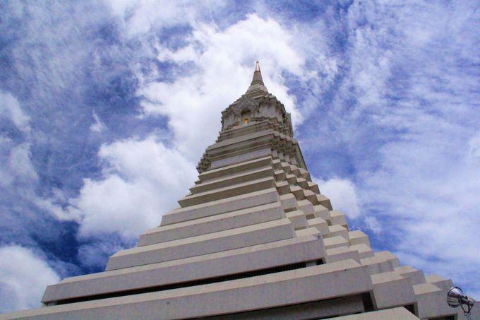 バンコクの寺院「ワット・パークナム」参拝の服装や注意点