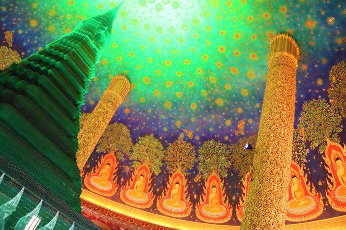 タイ・バンコクの寺院「ワット・パークナム」で心を休める旅