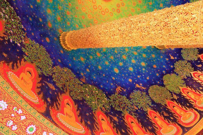 ワット・パークナムの幻想的な天井画(仏伝図)