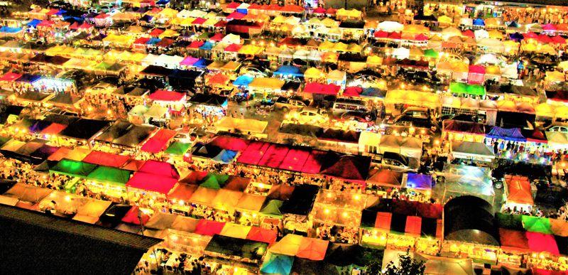 タイ土産&夜遊び!バンコクおすすめ人気ナイトマーケット5選