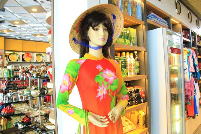 アオザイや香水、かわいい雑貨!ノイバイ国際空港でベトナム土産探し