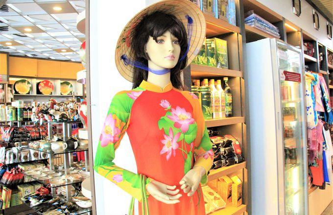 「ノイバイ国際空港」でおすすめの土産!アオザイ、フレグランス系製品、かわいいぬいぐるみ