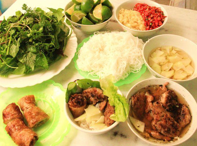 オバマも大満足!ハノイ名物料理ブンチャー(Bun cha)