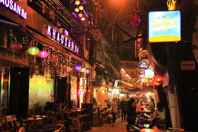 夜遊び・ナイトスポットにおすすめ!旧市街のレストラン ビア・フォーコー/ターヒエン通りのバー・クラブ