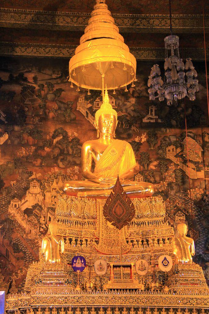 長さ46メートル!横たわる黄金の涅槃仏(寝釈迦仏)はバンコク観光の必見スポット