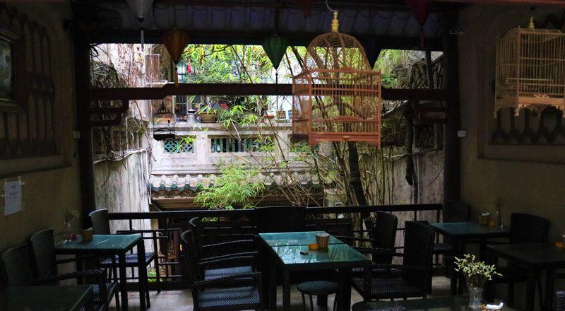 エッグコーヒーの名店!ハノイの古民家カフェ「フォーコー」