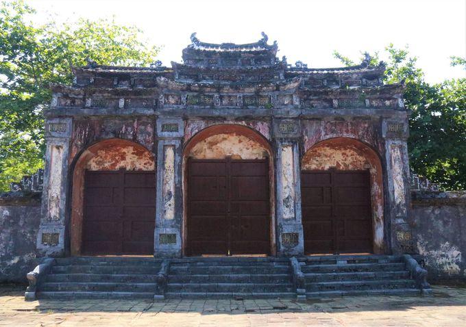 グエン王朝最盛期の皇帝!ミンマン帝陵に見られる中国文化