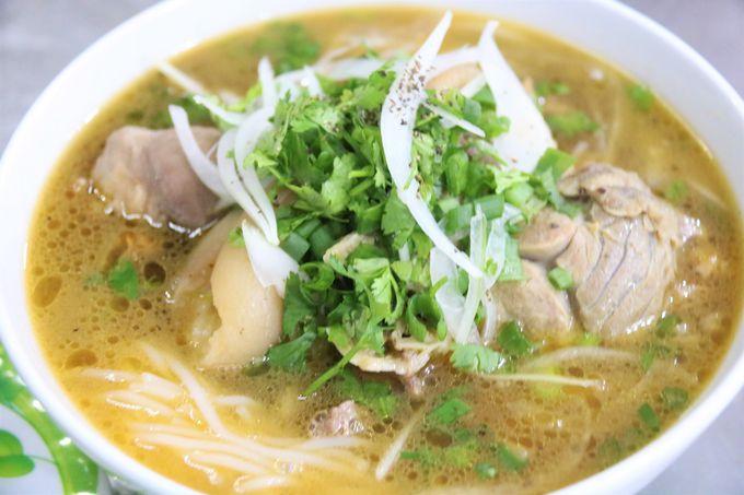 【1日目夕方〜】フエの名物料理ブンボー、グエン朝王宮(Dai Noi)の夜景を楽しむ
