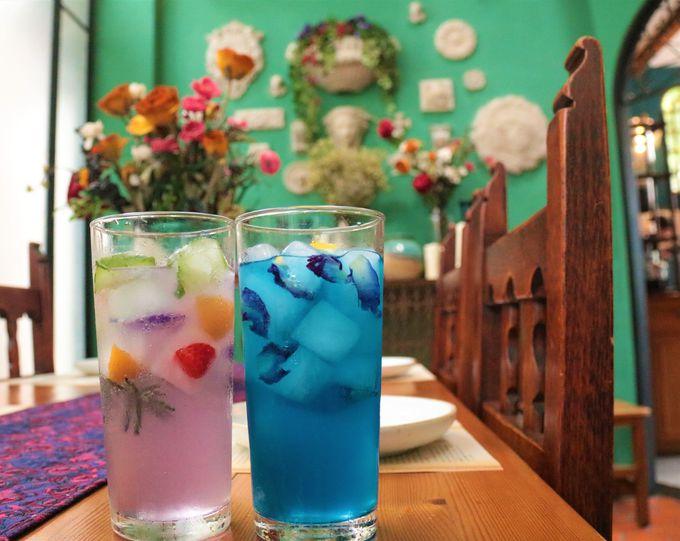 おしゃれな最旬のカフェ!フェザーストーン・カフェ/ブルーホエール・マハラート