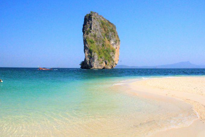 秘境のビーチリゾート、タイの「クラビ(Crab)」とは?