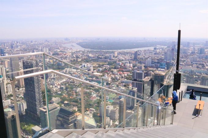 絶景パノラマビュー!高さ314メートルのルーフトップへ