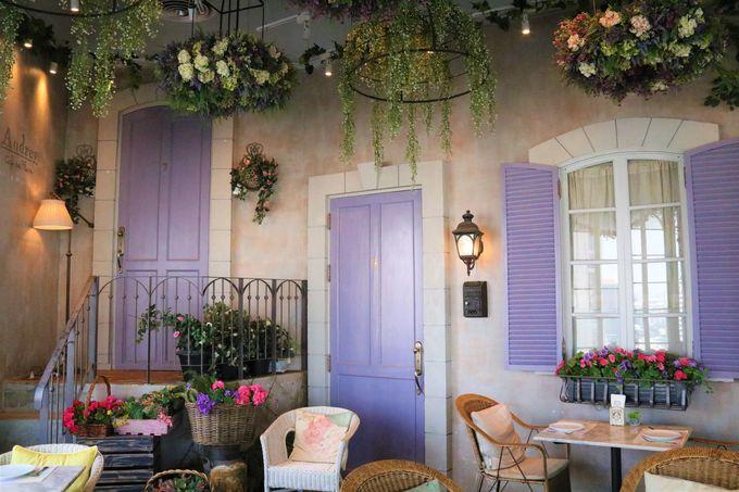 まるで別世界!可愛いお花のカフェ「オードリー・カフェ」