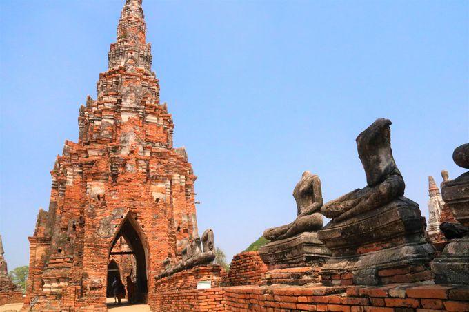 仏教の世界観をイメージ!アンコールワット遺跡に似た建築様式