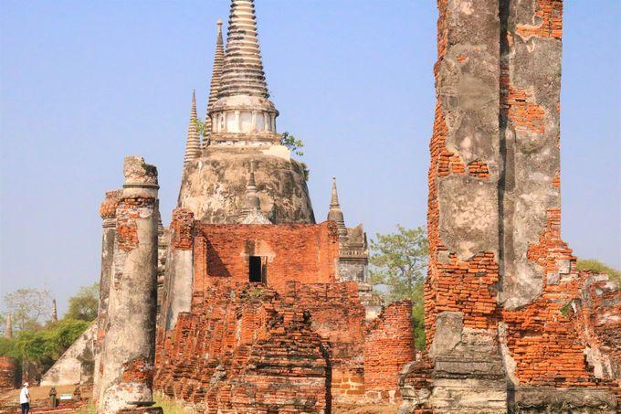 3つの大仏塔!ワット・プラ・シーサンペットは仏教のシンボル