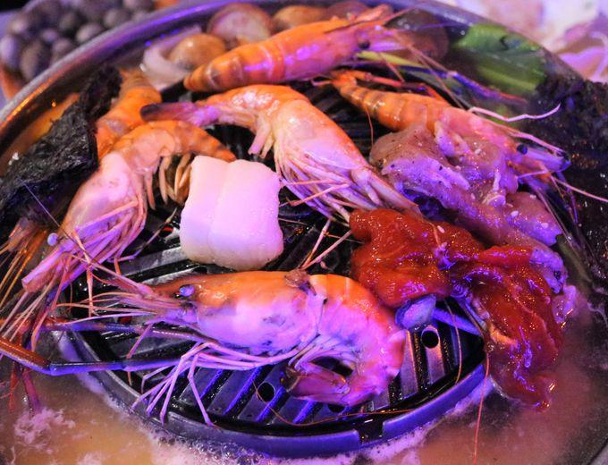 ラチャダー鉄道市場はグルメの宝庫!タイ料理が安い!