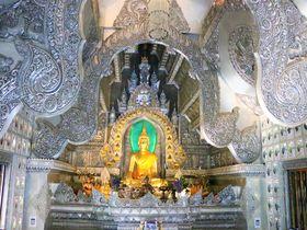 チェンマイ観光の穴場!銀色のインスタ寺院「ワットシースパン」