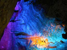 どっちで洞窟探検する?奈良県天川村の五代松と面不動鍾乳洞